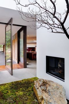 Outdoor fireplace at Eagle Ridge Residence, Orcas Island, Washington State by Gary Gladwish Architecture Amazing Architecture, Architecture Details, Interior Architecture, Contemporary Architecture, Design Exterior, Interior And Exterior, Interior Ideas, Modern Interior, Forest House