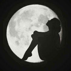 The moon.my moon. Dark Art Drawings, Pencil Art Drawings, Art Drawings Sketches, Moon Pictures, Moon Photography, Beautiful Moon, Silhouette Art, Moon Art, Wallpaper Backgrounds