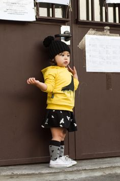 Chloe is wearing her total look from mói <3  http://www.digitalmodernfamily.com/free-to-look-around/