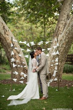 We adore this great idea for a wedding backdrop! These paper airplanes make the perfect decor, whether it's a travel-themed wedding or a plane lover's ceremony. A fast and easy way to craft your own decoration! Courtesy of Mine Forever. Interested in learning more about having your wedding at the Pima Air and Space Museum? Check out our site: http://pimaair.org/news-events/plan-your-event