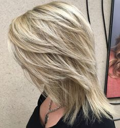 If you want a natural new medium layered hair cuts from summer to fall, why not try these medium layered hair cuts hair styles or colors? Up Dos For Medium Hair, Medium Hair Cuts, Medium Hair Styles, Long Hair Styles, Shoulder Length Hair Cuts With Layers, Medium Length Hair With Layers Straight, Straight Layered Hair, Long Layered, Straight Cut