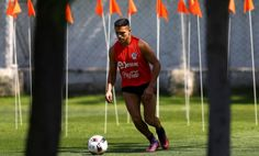 Arsene Wenger warns Chile over the treatment of Alexis Sanchez