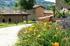 Borgo Belvederi #marche #hotel #holiday #benessere #wellness http://www.marchetourismnetwork.it/?place=borgo-belvederi