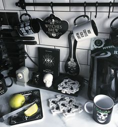 DeathCandy, Gothic kitchen deets Home Decor 08 awesome halloween home decor ideas - decoration