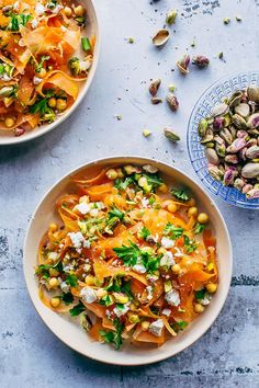 Moroccan carrot salad with chickpeas, pistachios and feta - Salad Recipes Raw Food Recipes, Veggie Recipes, Healthy Dinner Recipes, Vegetarian Recipes, Cooking Recipes, Salad Recipes, I Love Food, Good Food, Moroccan Carrots