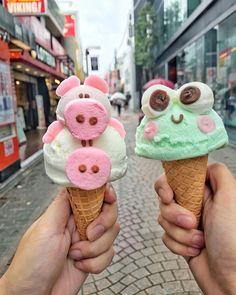 Cute Snacks, Cute Desserts, Cute Food, Dessert Recipes, Photos Folles, Ice Cream Menu, Cute Bakery, Kawaii Dessert, Yummy Treats