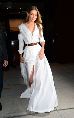 All-White Outfit Ideas Inspired by Our Favorite Celebs via Get inspired by our favorite celebrities and shop their refreshingly chic all-white outfits for summer. White Summer Outfits, All White Outfit, Cute Summer Dresses, White Outfit Party, Cute Party Outfits, Outfit Summer, Style Gigi Hadid, Gigi Hadid Outfits, Outfit Vintage