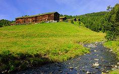 Vålåskaret – fjellgard og Norges første freda setergrend (1967), Resdalen, Meldal, Sør-Trøndelag. I fredingslista er oppført som freda 9 seterstuer og 6 uthus.
