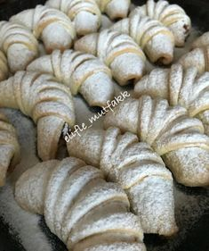 Eid Sweets, Beignets, Cookie Recipes, Dessert Recipes, Homemade Beauty Products, Food Pictures, Chicken Recipes, Food Porn, Delicious Desserts
