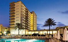 El Hotel Riu Belplaya (Todo Incluido) se ubica en la zona turística de Málaga en Torremolinos, a la orilla de la playa. Se ha convertido en uno de los destinos más populares por lo turistas que buscan unas vacaciones de relax y entretenimiento. Hotel Riu Belplaya - Hoteles en Torremolinos - RIU Hotels - RIU Hotels & Resorts