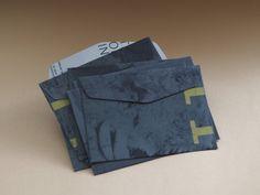 Zimní+obálky+Ručně+vyřezávané+obálky+ze+starých+katalogů+a+časopisů.+Sada+6+ks+Velikost:+15,5+x+11,5+cm+3+podobnémotivy+Zasílám+doporučeně+podle+ceníku+české+pošty. Crafts, Manualidades, Handmade Crafts, Craft, Crafting