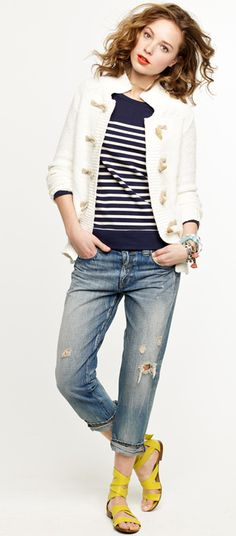 i'd replace those jeans with some skinny cropped jeans, maybe. I don't love the idea of jeans with holes in them. Mode Lookbook, Fashion Lookbook, J Crew Looks, Sweaters And Jeans, Cardigans, Looks Chic, Nautical Fashion, Cropped Skinny Jeans, Cute Casual Outfits