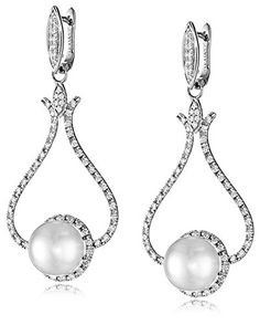 """TARA Pearls """"Chandelier Collection"""" 14k White Gold Natural Color White South Sea Cultured Pearl and Diamond Earrings, 1cttw G-H Color SI1-SI2 Clarity, 10-11mm TARA Pearls http://smile.amazon.com/dp/B00OCHGWQS/ref=cm_sw_r_pi_dp_I6pCvb0V7W0DE"""