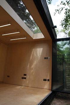 Office In My Garden is a bespoke Garden Room Company based in North London specialsing in the construction of Garden Rooms, Garden Offices and Summerhouses