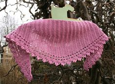 Ravelry: Spring Crescent pattern by Julie Aakjær