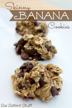 Skinny Banana Cookies from SixSistersStuff.com. Only three ingredients for this healthy snack! #recipes