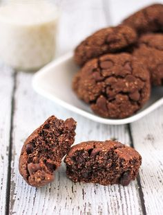 Oats+Chocolate+Coffee=GF Mocha chocolate chips Breakfast Cookies - this recipe is good enough to be on the desserts table and healthy enough for breakfast