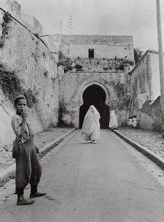 Femme Marocaine en ( Hayk )   Maroc .