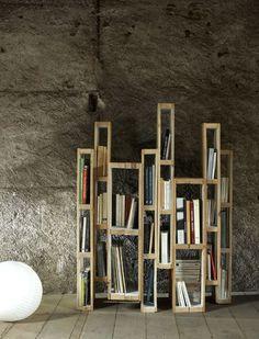Une magnifique bibliothèque en bois de palette