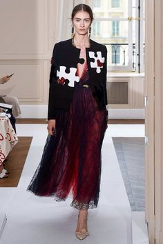 Schiaparelli Fall 2017 Couture Fashion Show