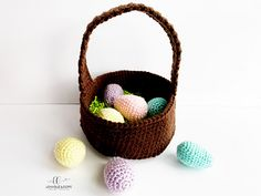 This free Easter Basket & Eggs crochet pattern is fun & easy. It's a great Easter crochet pattern for beginners. If you need a holiday crochet pattern, look no further! Holiday Crochet Patterns, Crochet Patterns For Beginners, Crochet Patterns Amigurumi, Crochet Stitches, All Free Crochet, Crochet Bunny, Wire Jewelry Patterns, Crochet Decoration, Single Crochet Stitch