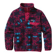 The Patagonia Girls' Lightweight Synchilla� Snap-T� Pullover is sized just right for her. Plus, it's bluesign� approved with recycled polyester fleece.