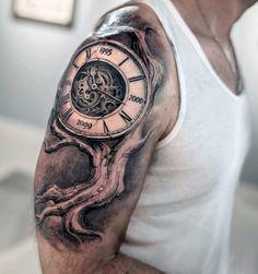 Realistische 3D-Familie Baum mit Uhr Mens Oberarm Tattoo