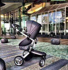 mima xari leatherette fabric makes the stroller lightweight, resistant and easy to clean