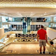 Regent Taipei may not be the favorite of the young trendy crowd but ask a local it's still the place of choice of the Taiwanese old money. It's the quiet comfort and coziness that sets it apart not flashy and glitz.  Inside the hotel Regent Galleria is the Place Vendome of Taiwan there are some serious big stones here catering to the tea time ladies. It's a great place to get away from the dizziness of the metropolis. And even if you're not staying here it's always nice to take tea and enjoy…