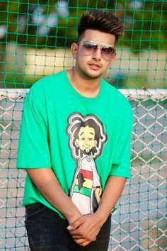 Jass Manak Wiki, Bio, Birthday, Age ... Stylish Girls Photos, Stylish Boys, Girl Photos, Cool Hairstyles For Men, Boy Hairstyles, Girlfriend Song, Punjabi Boys, Boys Kurta Design, Handsome Celebrities
