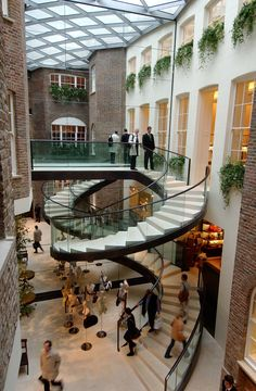 Top 8 Most Beautiful Stairs Of London is part of architecture Presentation Inspiration Site Plans - Something as little as a staircase can be the main reason why you visit an entire building We've selected the 8 most beautiful stairs in… Modern Staircase, Grand Staircase, Spiral Staircase, Staircase Design, Stairs Architecture, Victorian Architecture, Architecture Details, Interior Architecture, Interior Stairs