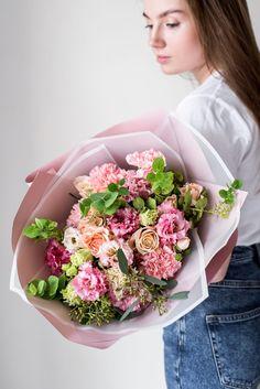 Подарите любимому или дорогому человеку отличное настроение. Студия самых свежих букетов с доставкой в Твери - Мята. Смотрите наш каталог букетов и цветочных композиций по ссылке. Mint Flowers, Bouquet, Bouquet Of Flowers, Bouquets, Floral Arrangements