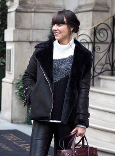 Тренд: черная куртка-дубленка 6