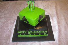 Dirt Bike & Monster M Birthday Cake Monster Energy Cake, Boy Birthday Parties, Birthday Ideas, 9th Birthday, Birthday Cakes, Motocross, Racing Cake, Fox Racing, Dirt Bike Cakes