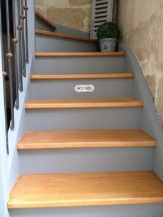 Inventive Staircase Design Tips for the Home – Voyage Afield Entry Stairs, House Stairs, Small Space Interior Design, Interior Design Living Room, Stair Renovation, Painted Stairs, Diy Interior, Staircase Design, Stairways