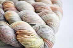 Whitewash skein yarn DTO