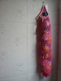 Puxa saco de crochê que fiz nas cores rosa e branco.