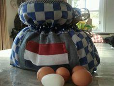 Weet jij ook niet goed hoe je met pasen alle eieren warm moet houden...Theemutsenwinkel weet het wel...De Eiermuts