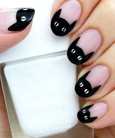 Black Cat Mani - Halloween Nails So Cool They'll Give You Chills - Photos