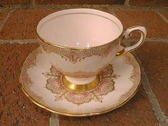 ePier - Antique Tuscan Fine English Bone China, Pink/Gold Cup&Saucer