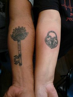 Black and Grey Lock and Key by A.R.T. Trained Tattoo Artist Delvirus. Click for more information on how to be a tattoo artist!