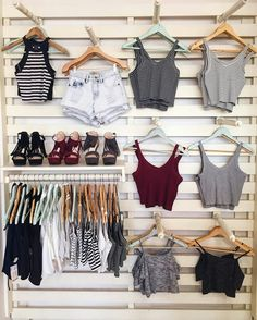 Diseños para tienda in 2020 Clothing Store Displays, Clothing Store Design, Boutique Clothing, Clothing Store Interior, Outfits For Teens, Trendy Outfits, Summer Outfits, Cute Outfits, Cute Fashion
