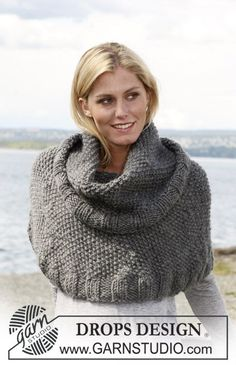 Ponchos & Shawls - Free knitting patterns and crochet patterns by DROPS Design Wool Poncho, Knitted Poncho, Knitted Shawls, Knitting Patterns Free, Knit Patterns, Free Knitting, Free Pattern, Drops Design, Magazine Drops