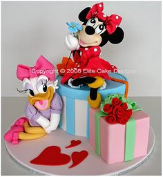 Minnie and Daisy Cake ~ adorable!