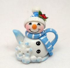 1/12 scale Christmas snowman teapot in red BY LORY