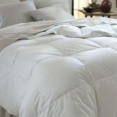 Microfiber comforter with a down-alternative fill.     Product: Down alternative comforter    Construction Material: M...