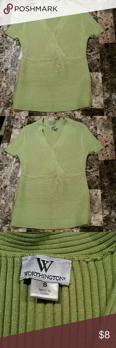 Worthington Size Small Top. Worthington Size Small Top. Stretchy. In good condition see pictures. Worthington Tops Blouses