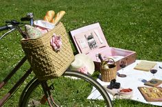 diy bicycle basket- old, wicker beach bag and leather belt- thrift shop visit worthy!
