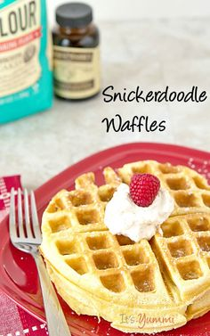 If you enjoy snickerdoodle cookies, you'll love this snickerdoodle waffles recipe! It's another one of those easy waffles recipe ideas that can be made quickly for a weekend breakfast or brunch!  #vanillaweek | It's Yummi