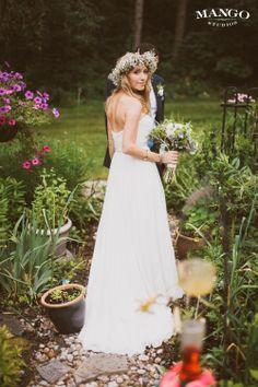 Beautiful Bride portrait #weddings #flowercrown #flowers #bouquet #white #gown Photography by Mango Studios